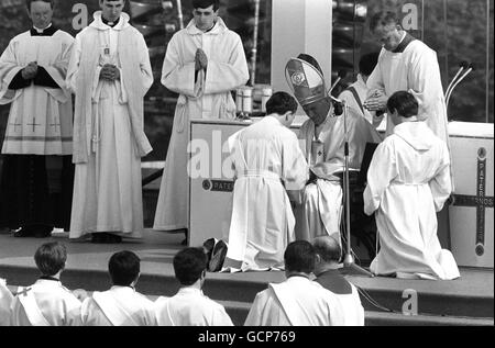 Religion - Pope John Paul II Visit to Britain - Manchester - Stock Photo