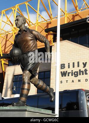 Soccer - Barclays Premier League - Wolverhampton Wanderers v Bolton Wanderers - Molineux - Stock Photo