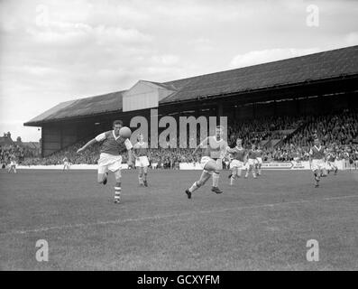 Soccer - League Division Two - Leyton Orient v Ipswich Town - Stock Photo