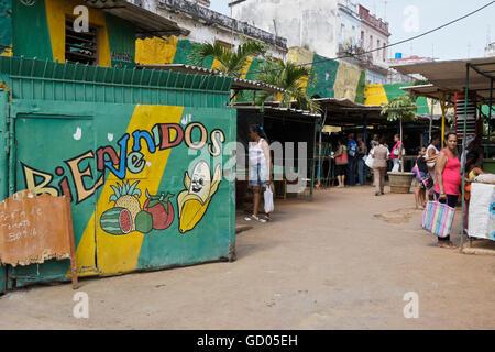 Produce market in Habana Vieja (Old Havana), Cuba - Stock Photo