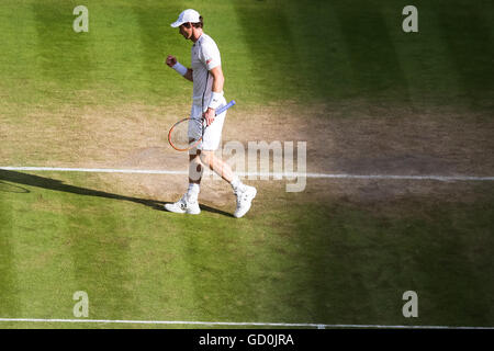 London, UK. 8th July, 2016. Andy Murray (GBR) Tennis : Andy Murray of Great Britain reacts during the Men's singles - Stock Photo