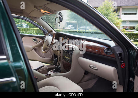Rover 75 car interior with a walnut dashboard color green Stock ...