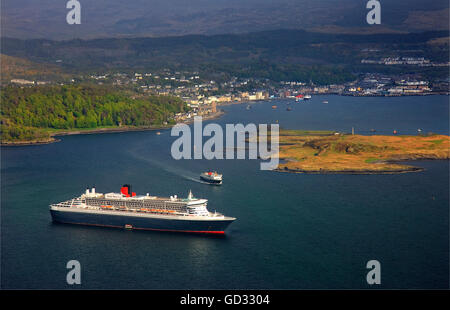 Cunard's Queen Mary 2 visiting Oban, Argyll - Stock Photo
