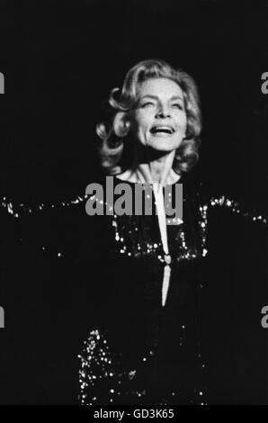 """Lauren Bacall, on stage in the 1970 Broadway Musical """"Applause"""". - Stock Photo"""