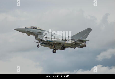 Farnborough, Hampshire UK. 12th July 2016. Eurofighter Typhoon landing. Day 2 of the Farnborough International Trade - Stock Photo
