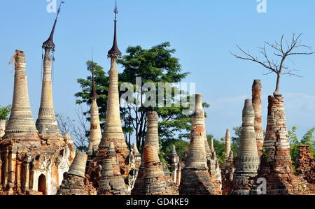 Shwe Inn Dein temple complex, Inle Lake, Myanmar. Photo taken whilst on an Intrepid tour of Myanmar, formerly known - Stock Photo