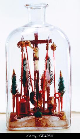 fine arts, folk art, impossible bottle with Crucifixion and Arma Christi, glass, Switzerland, 19th century, Swiss - Stock Photo
