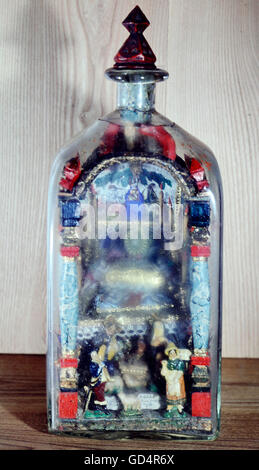 fine arts, folk art, impossible bottle with Holy Grave and Nativity scene, glass, paper, wax, 19th century, Artist's - Stock Photo