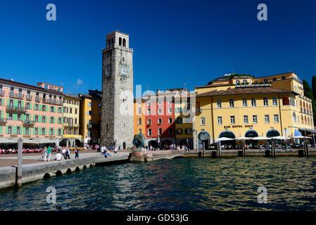 Altstadt mit Torre Apponale, Gardasee, Riva del Garda, Trentino, Provinz Trient, Italien - Stock Photo