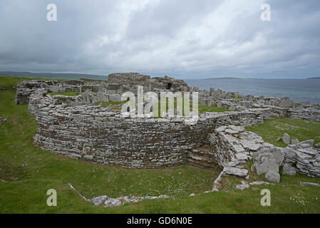 The 200year BC Iron Age Broch of Gurness at Evie on the North coast of Orkney Mainland.  SCO 10,574. - Stock Photo