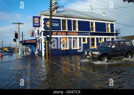 St Kilda Tavern during South Dunedin floods, Dunedin, South Island, New Zealand - Stock Photo