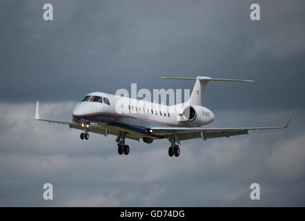 Farnborough, Hampshire UK. 11th July 2016. Embraer EMB 135BJ Legacy landing at the Farnborough International Trade - Stock Photo