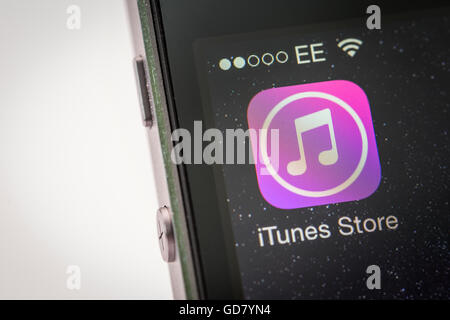 Apple iTunes store App on an iPhone smart phone - Stock Photo