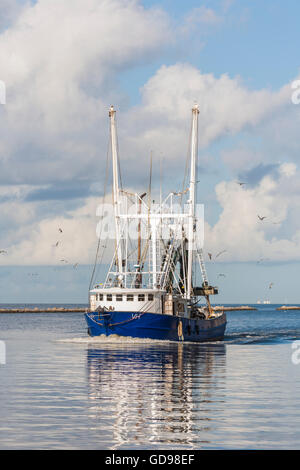 Mississippi gulf coast commercial fishing boats in marina for Fishing in biloxi ms