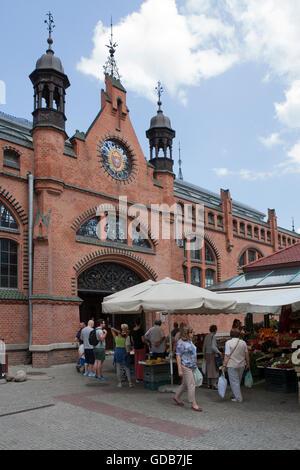 Fresh produce market next to Hala Targowa the main market - Stock Photo