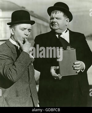 FILM Jitterbugs (1943, Mal St Clair) Stan Laurel, Oliver Hardy - Stock Photo
