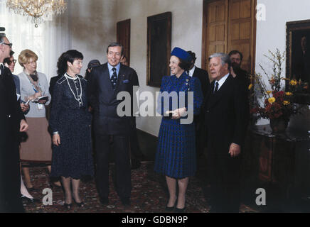 Beatrix, * 31.1.1938, Queen of the Netherlands since 30.4.1980, state visit to West Germany, mit husband Prince - Stock Photo