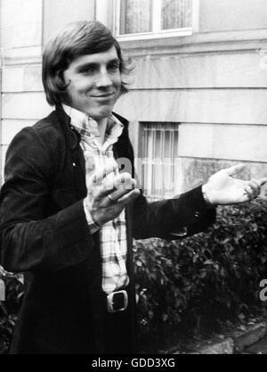 Fischer, Klaus, * 27.12.1949, German football player, striker for FC Schalke 04 1970 - 1981, half length, after - Stock Photo