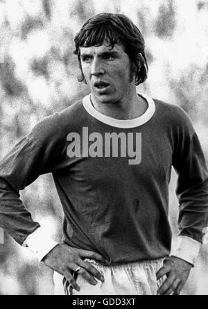 Fischer, Klaus, * 27.12.1949, German football player, striker for FC Schalke 04 1970 - 1981, half length, during - Stock Photo