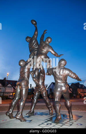 England,London,Richmond,Twickenham Rugby Stadium,Sculpture of a Rugby Line-out by Gerald Laing - Stock Photo