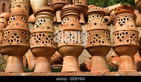 Marocco, Africa, earthenware jugs, infront of Hotel - Stock Photo