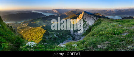 Sankt Gilgen: View from mount Schafberg to lake Mondsee, lake Attersee and lake Wolfgangsee (left to right ) , the - Stock Photo