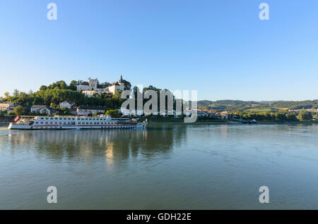 Ottensheim: Ottensheim Castle and cruise ship on the Danube, Austria, Oberösterreich, Upper Austria, Mühlviertel