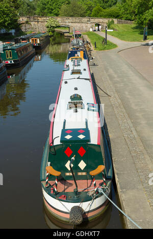 Narrow boats in the Canal Basin at Trevor, Llangollen Canal, near the Pontcysyllte Aqueduct, - Stock Photo