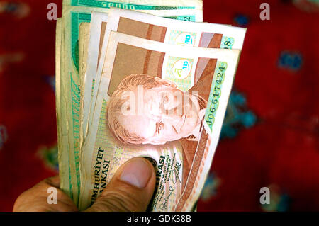 Bank notes of 100.000 and 50.000 turkish lira before devaluation, Turkey. - Stock Photo
