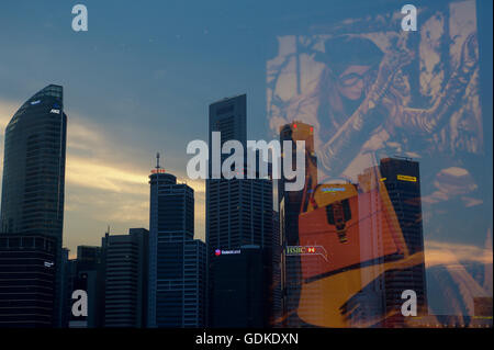 SINGAPORE, July 16, 2016. A view of Singapore's financial district at Marina Bay as seen from The Shoppes Shopping - Stock Photo