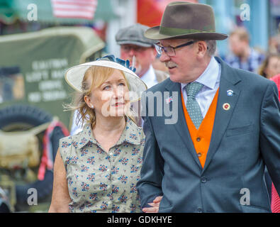 Woodhall Spa 1940s Festival - couple dressed in 1940s style - Stock Photo
