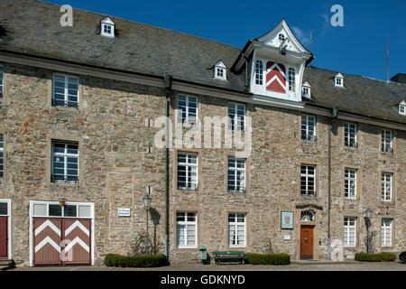 Deutschland, Oberbergischer Kreis, Hückeswagen, Schloss, seit 2005 ist in ihm ein Teil der Verwaltung und das Heimatmuseum - Stock Photo