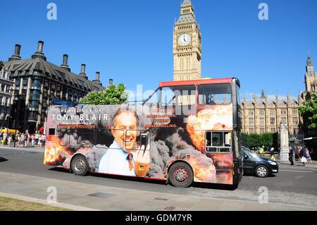 The Killing of Tony Blair - an open top bus promotion - London, UK. - Stock Photo