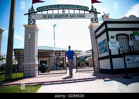 Daytona Beach, Florida, USA. 11th July, 2016. WILL VRAGOVIC | Times.Tampa Bay Rays starting pitcher Alex Cobb arrives - Stock Photo