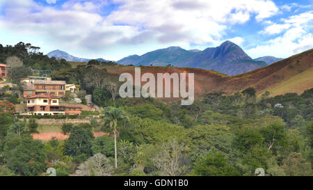Petropolis, Rio de Janeiro, Brazil, 12 June 2016. Occupation of the Atlantic Forest by housing n the hills of Petropolis - Stock Photo