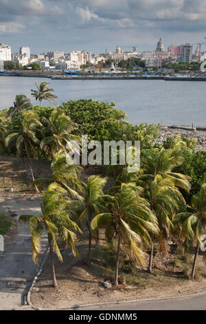 The entrance to Havana harbour seen from the fortress, looking towards Habana Vieja, Havana, Cuba - Stock Photo