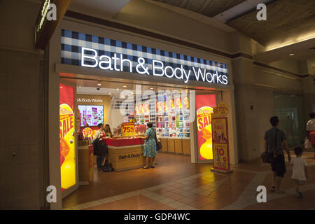 Bath   Body Works shop at The Atlantic Mall near Barclay Center in  Brooklyn  NYBath and Body Works store in Toronto Eaton Centre  Ontario  Canada  . Bath And Body Shop Toronto. Home Design Ideas