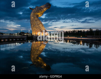 One Of The Kelpies Horse Sculptures In Helix Park Falkirk - Amazing horse head sculpture lights scottish skyline