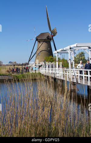 Dating to 1740, the 19 windmills at Kinderdjik are a leading attraction in the Netherlands and a protected UNESCO - Stock Photo