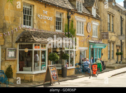 Stow-on-the-Wold a Cotswold town in Gloucestershire England UK The Old stocks - Stock Photo