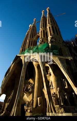 Barcelona, La Sagrada Familia: Passion façade - Stock Photo