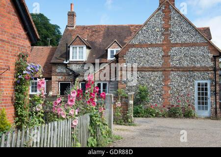 Cottages in Hambleden village in summer, Buckinghamshire, England - Stock Photo