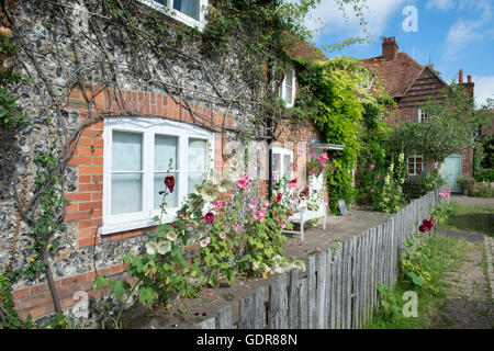 Cottages in Hambleden village in summer, Buckinghamshire, England - Stock Photo