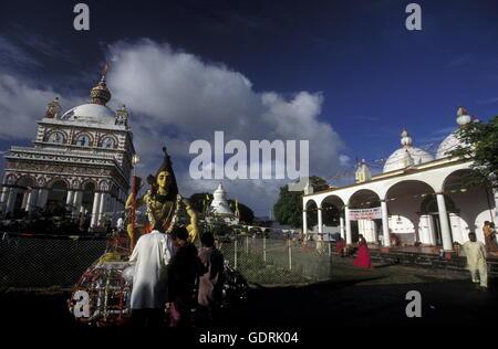 Ein Hindu Tempel bei der Hauptstadt Port Louis an der Westkueste der Insel Mauritius in Indischen Ozean vor Afrika. - Stock Photo