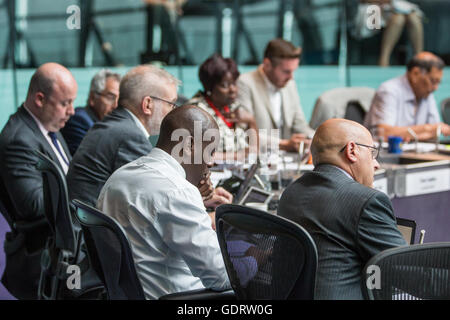 London, UK. 20th July, 2016. London Assembly Members ask questions to Sadiq Khan, Mayor of London, at Mayor's Question - Stock Photo