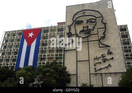 Ernesto Che Guevara as an art installation and propaganda work of art on a wall at the Revolution Square - Summer - Stock Photo