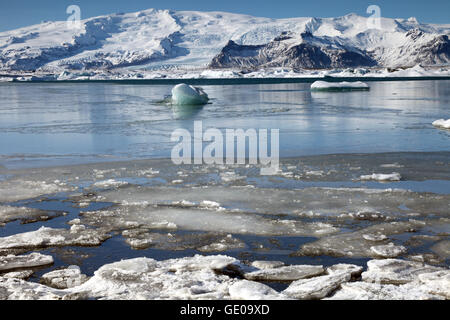geography / travel, Iceland, Eastern Iceland, Jökulsarlon, glacial lagoon, Additional-Rights-Clearance-Info-Not-Available