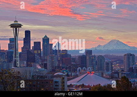 geography / travel, USA, Washington State, Seattle, Colorful clouds during sunrise above the city of Seattle and - Stock Photo