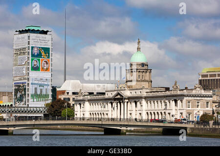 Ireland, Dublin, 1791 Custom House beside River Liffey, SIPTU Trade Union centenary banner covering riverside building - Stock Photo