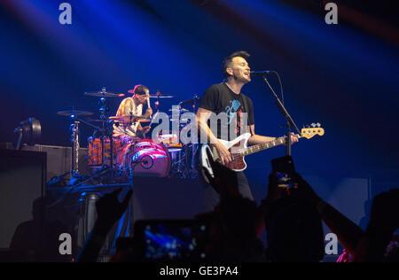 San Diego, CA, USA. 22nd July, 2016. June 22, 2016 - San Diego, California, USA - Drummer Travis Barker and bassist - Stock Photo